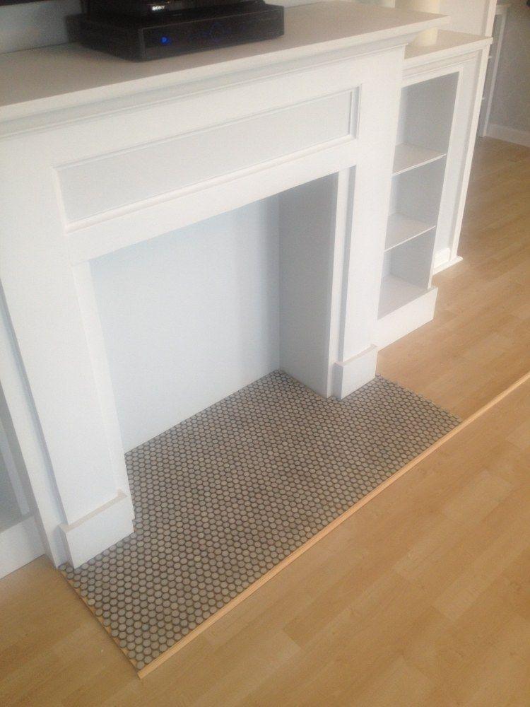 kaminumrandung selber bauen und dekorative elemente anbringen wohnzimmer einrichtung. Black Bedroom Furniture Sets. Home Design Ideas