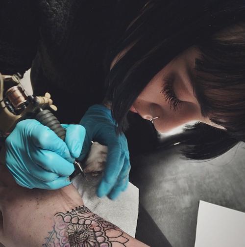 Hannah Snowdon Tumblr Hannah Pixie Hannah Snowdon Female Tattoo Artists