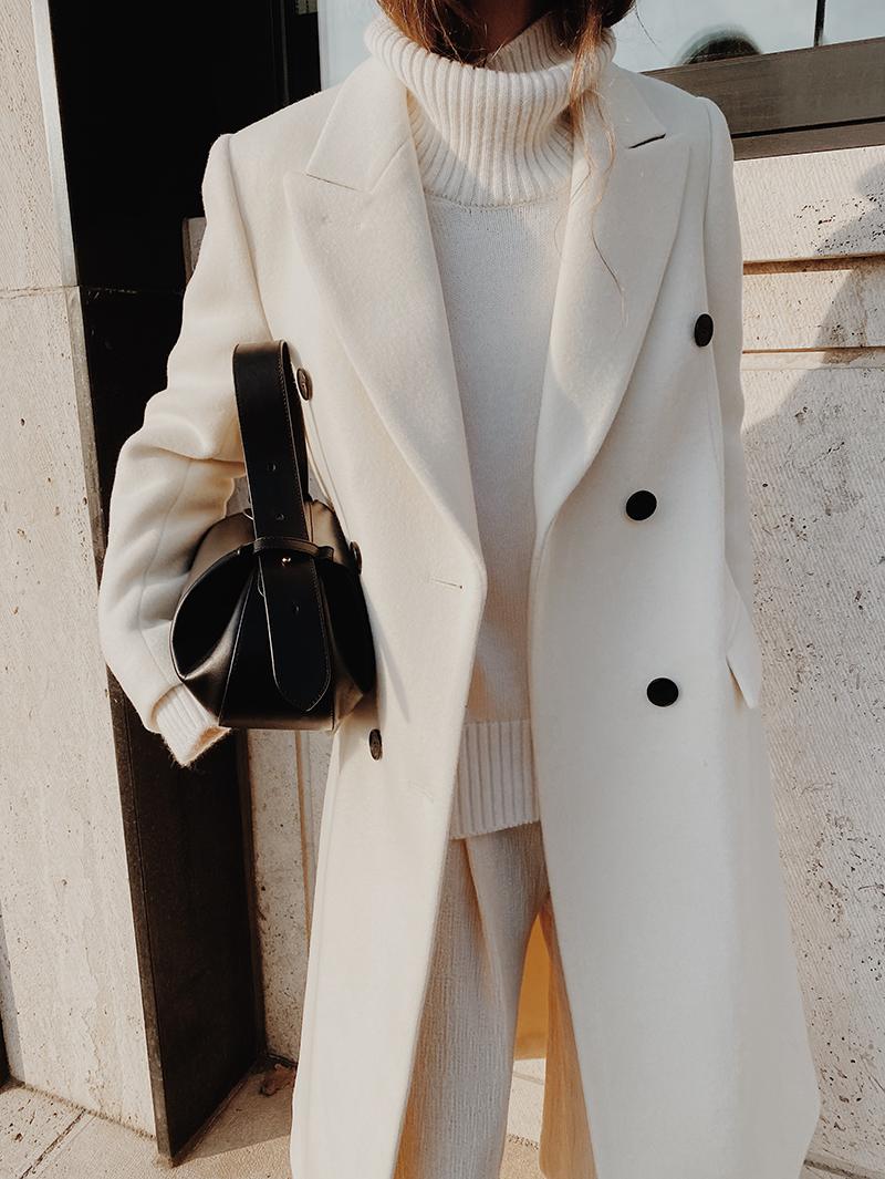 All White Modedamour Winter Fashion Outfits Fashion Fashion Outfits [ 1065 x 800 Pixel ]