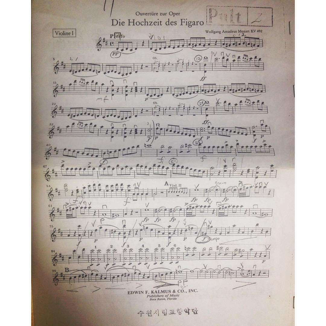 #바이올린 #violin #악보 #아마데우스 #amadeus #모차르트 #영화 #피가로의결혼 #figaro #music 올해 꼭 하고 싶은 것은 바이올린 다시 한 번 해보는 것 #10년도 더 지난 바이올린 악보  예전처럼 아니더라도 손에서 놓고 싶지 않다. by chu_oh