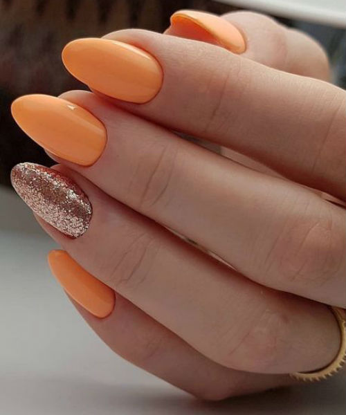 Eye Catching Light Orange And Glitter Nail Design You Must Try This Summer Styles Beat Oval Nails Designs Oval Nails Short Oval Nails