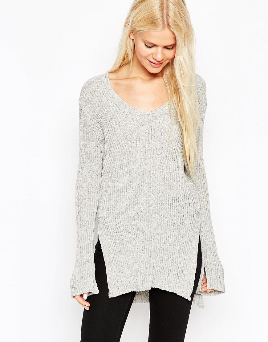 This jumper looks so cosy! Love the slouchy fit. Great for a casual everyday outfit. Find it here: http://asos.do/PGex9U