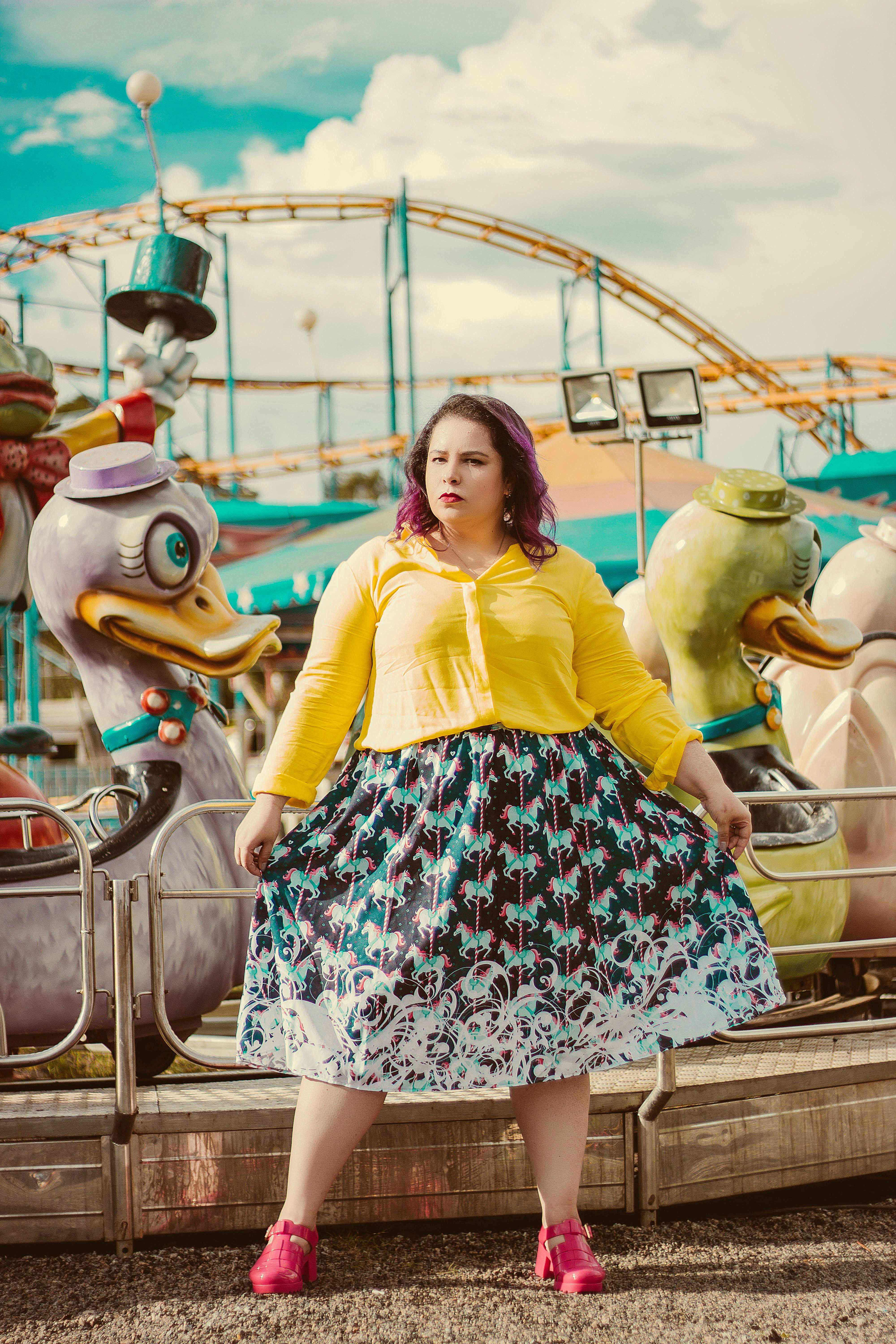 Plus size look with Midi Skirt