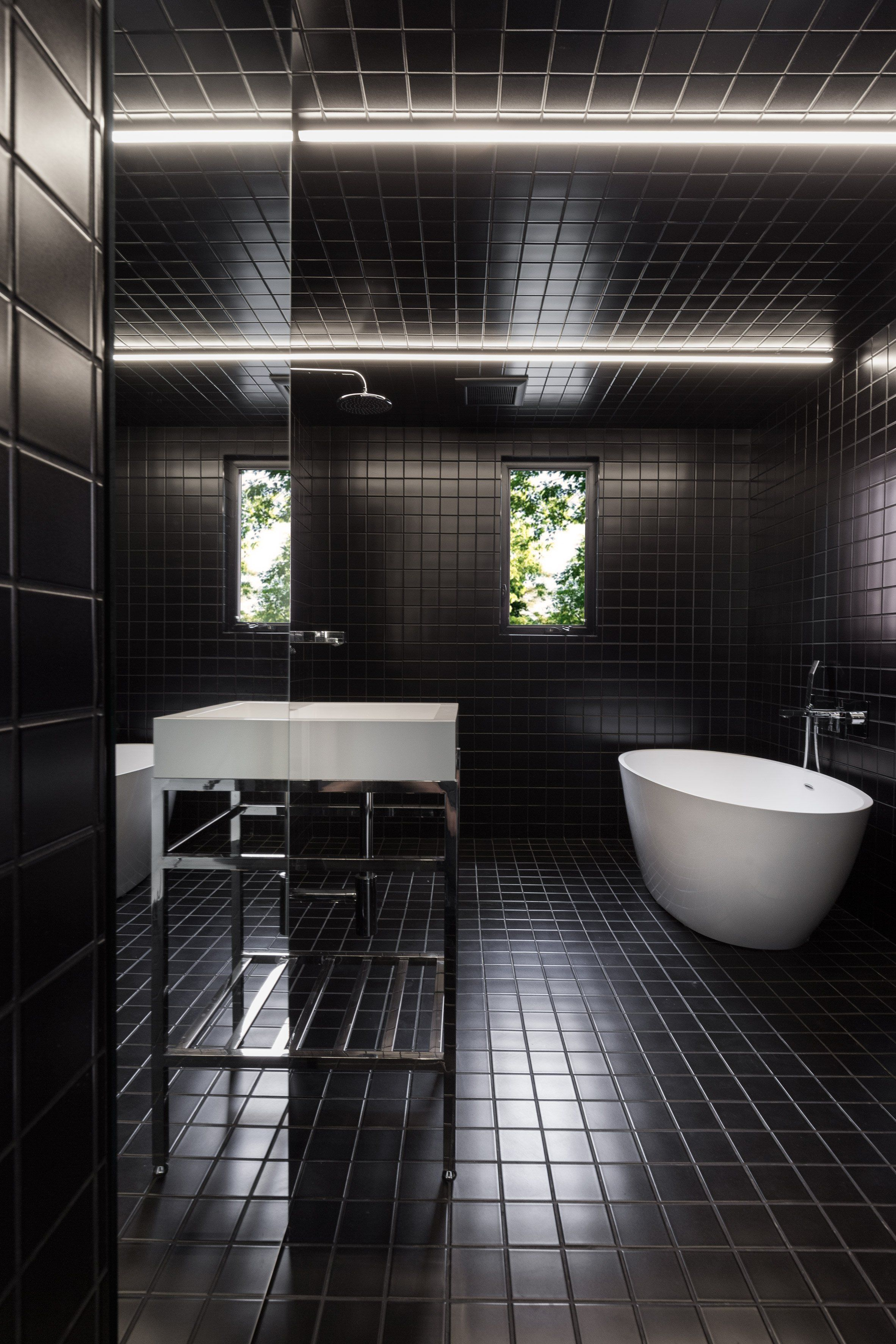 Meuble Salle De Bain Tiger Frames ~ Jean Verville Tricks The Eye With Black And White Montreal Apartment