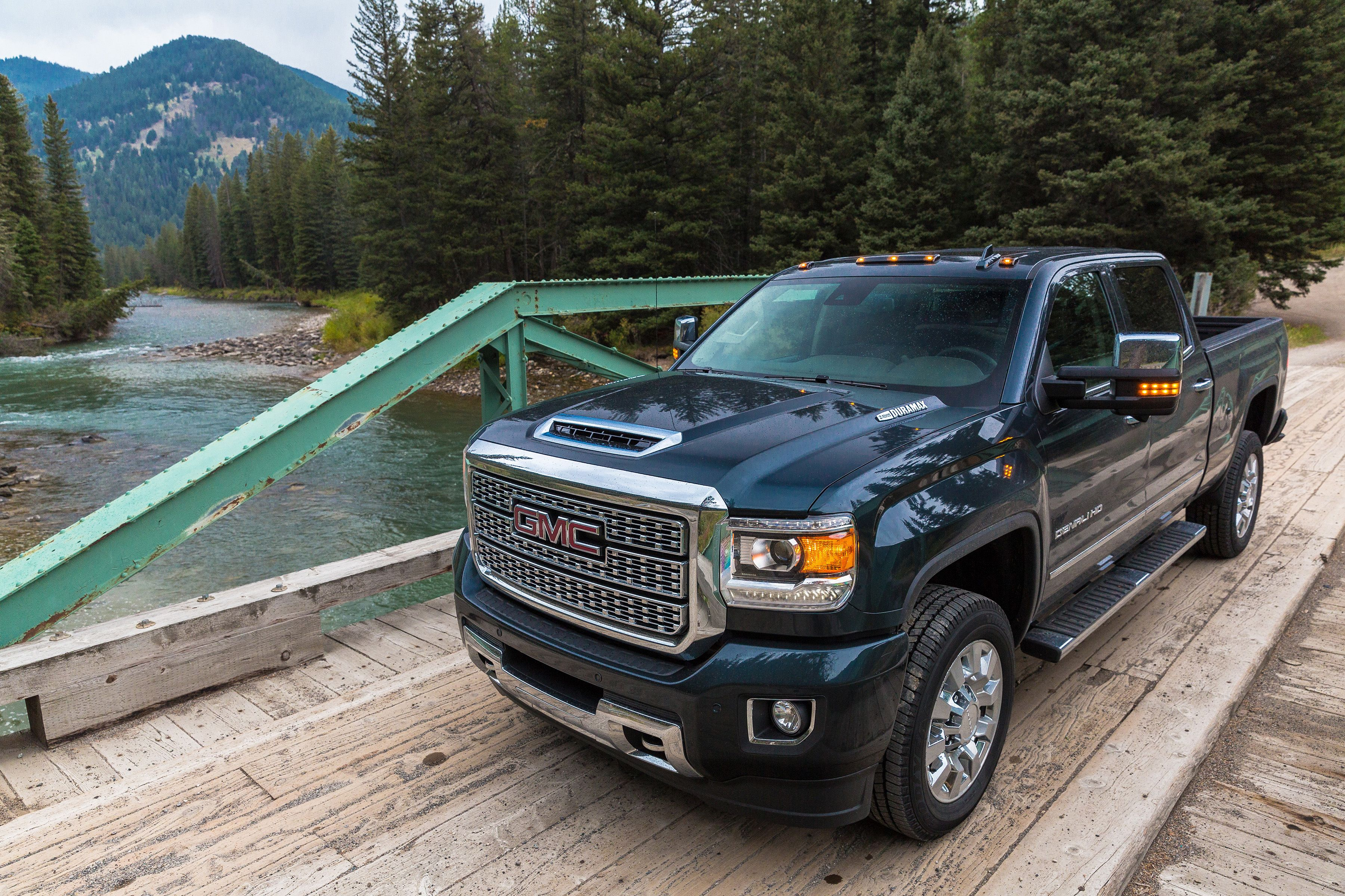 Gmc Is Slashing Up To 4 500 Off The Gmc Sierra Hd In October 2018