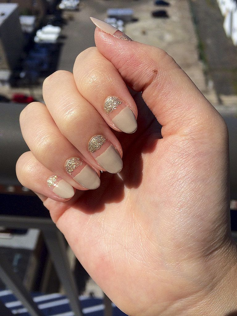 This runway-inspired manicure is perfect for an understated New Year's Eve fete.