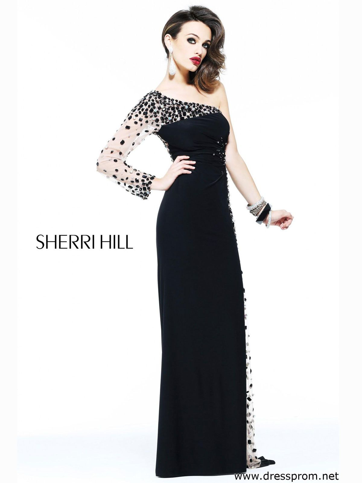 This breathtaking sherri hill evening prom gown is an absolute