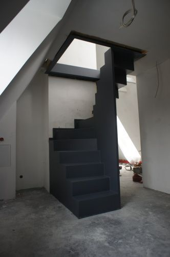 halbgewendelte raumspartreppe dachausbau pinterest raumspartreppen treppe und wendeltreppe. Black Bedroom Furniture Sets. Home Design Ideas
