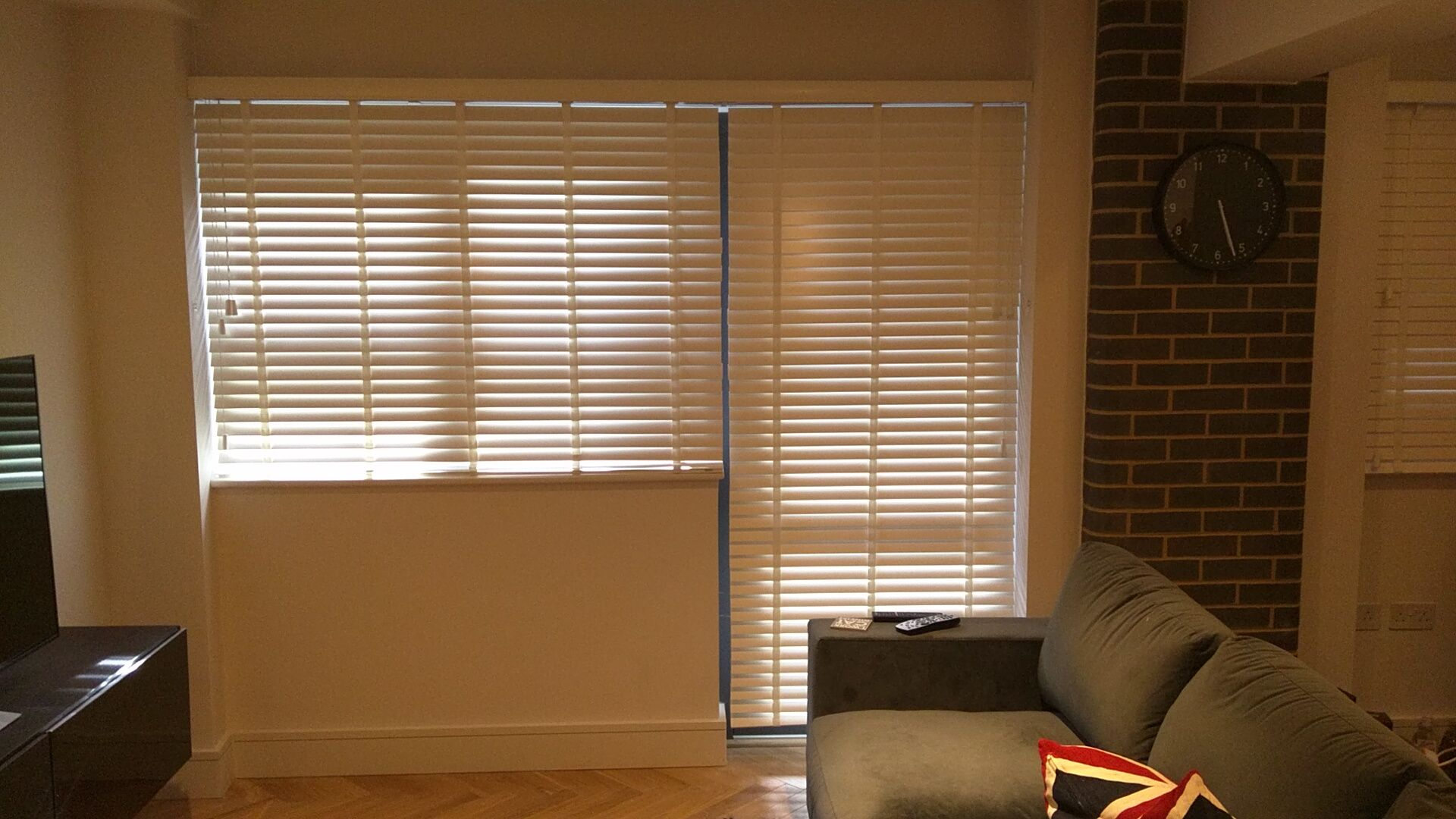 Wood Venetian Blinds Fitted To Apartment At Hunts Paper Factory Development In Fulham London Wooden Venetian Living Room Blinds Blinds Design Modern Blinds