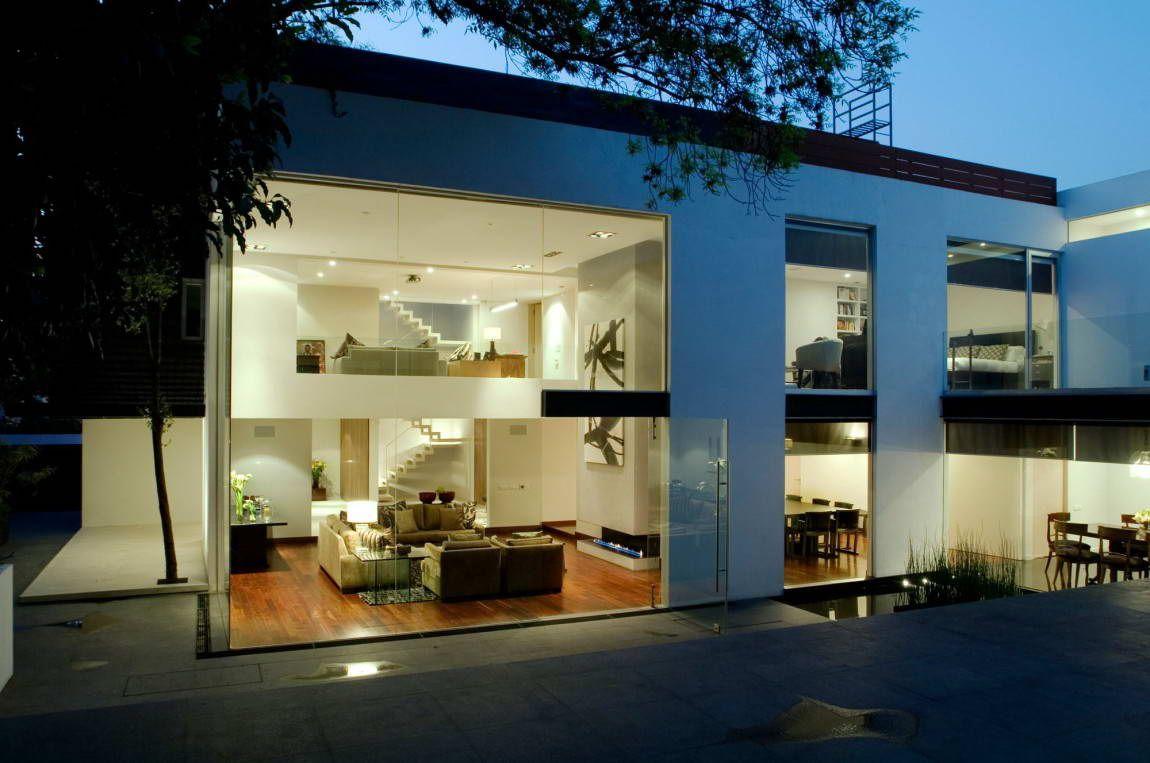 красивые фасады частных домов фото из стекла меня