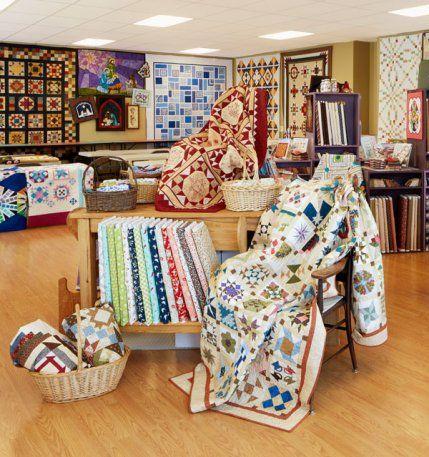 K H Quilt Shoppe With Images Quilt Shop Displays Quilt Stores Quilt Shop
