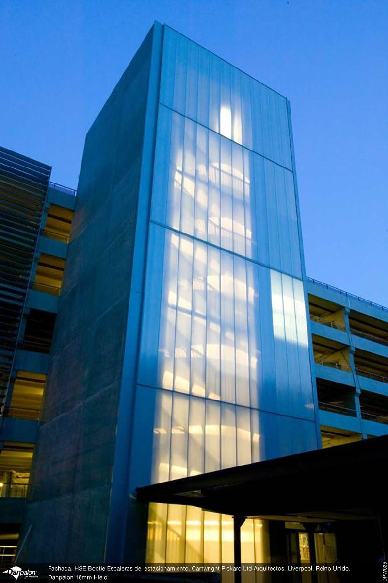 Arquitectura mundial fachada trasl cida en escaleras con for Escaleras arquitectura