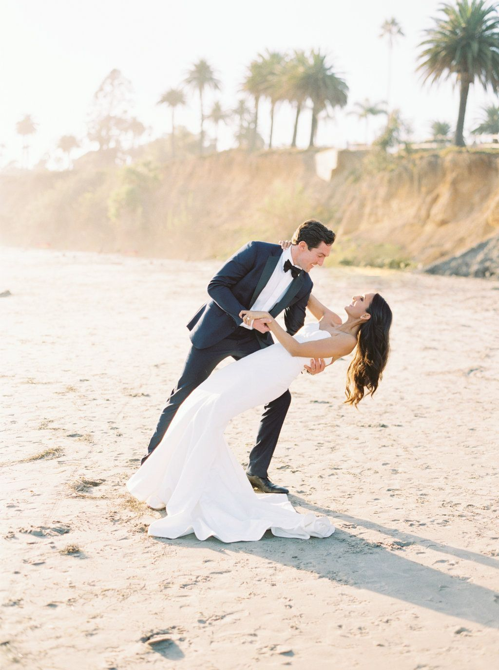 Sunset Wedding Photo Coastal Beach In Montecito Musthaveweddingphotos