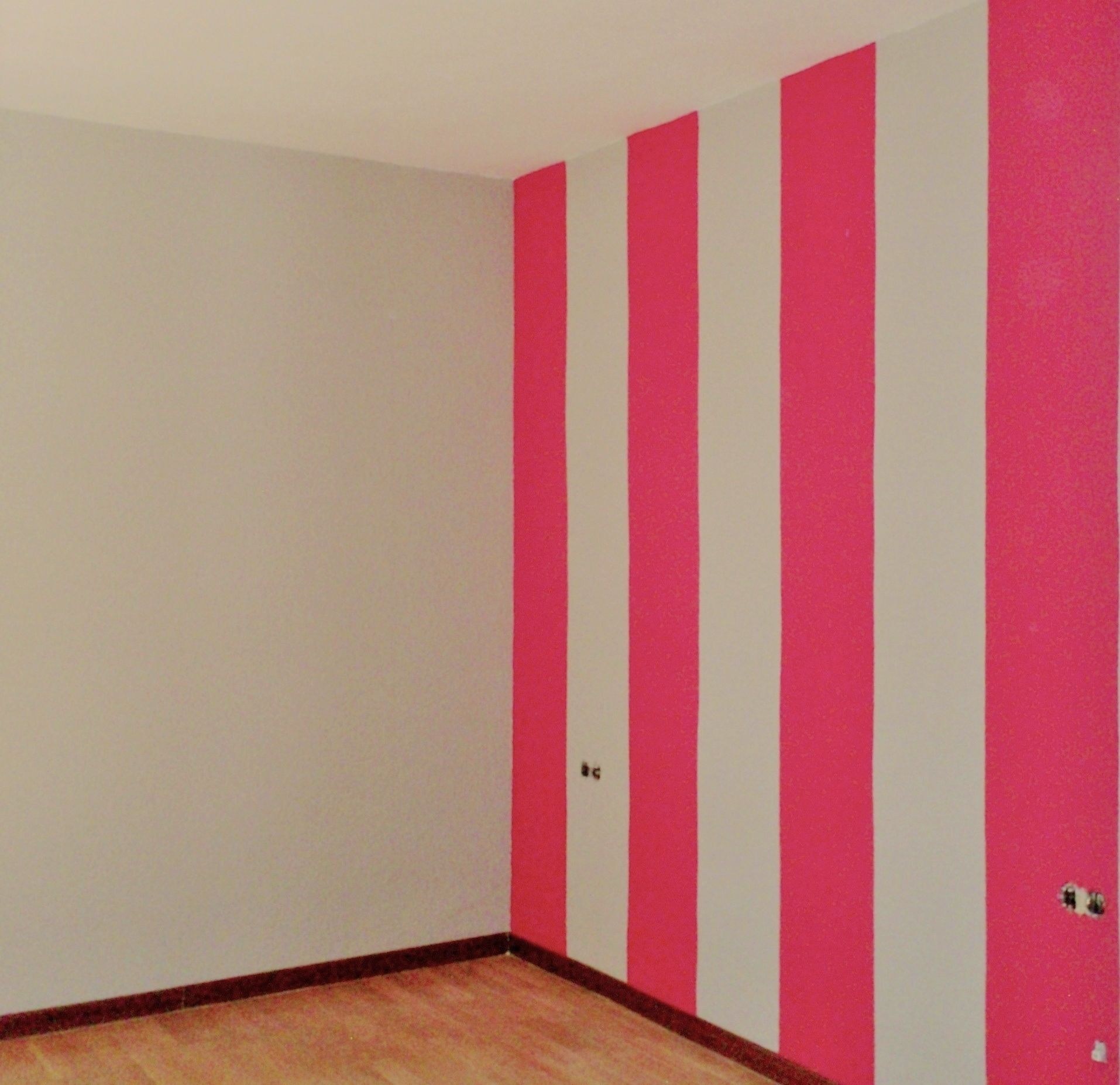Pintura A Rayas Dos Colores Decoraci N Pared Rayas Decoracion  ~ Pintura Decorativa Paredes Interiores