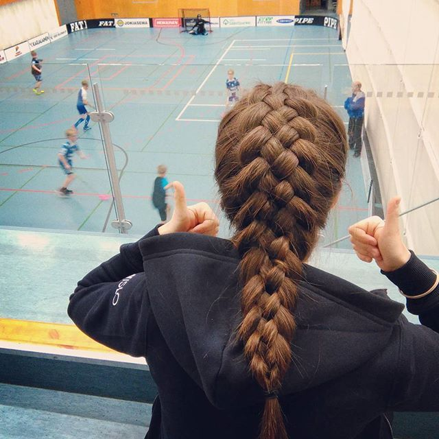 Top 100 Dutch braid photos Etätehtävät + @suuksu shows some serious hairstyling skills #lop #islo #dutchbraid #kiitti See more http://wumann.com/top-100-dutch-braid-photos/