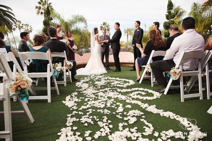 La Valencia Hotel Wedding in La Jolla, CA | Aaron Huniu Photography | #lajolla #lajollawedding #lavalencia #sandiego