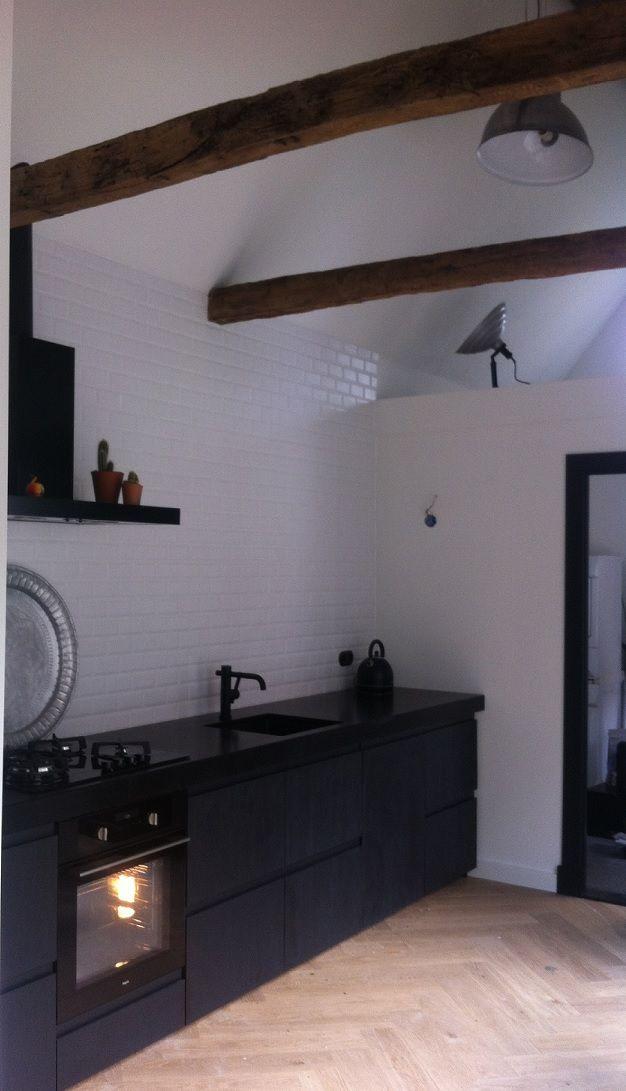 Een Stoere Industriele Keuken Op Ikea Basis Met Zwart Gelakte En Ruw
