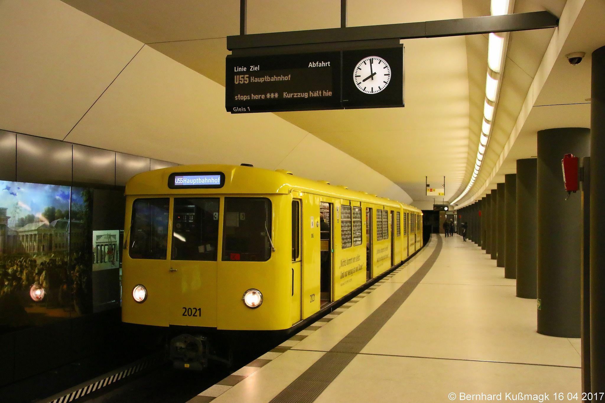 Europa Deutschland Berlin Mitte U Bahnhof Brandenburger Tor U Bahn Linie U55 In 2020 Model Railroad Berlin Underground