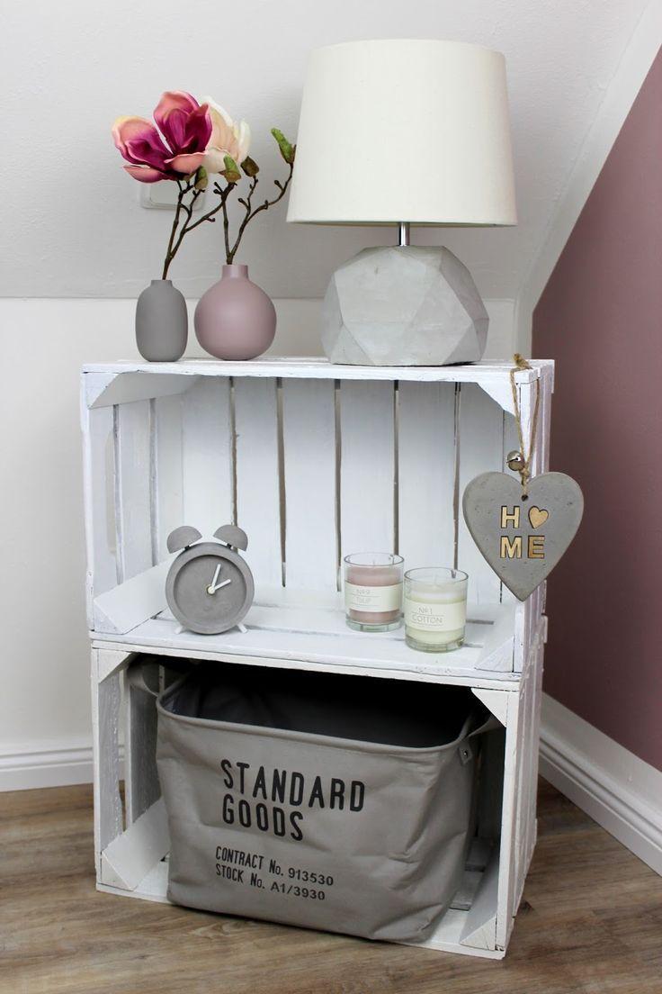 DIY Möbel selber bauen: Nachttisch / Nachtschrank aus Obstkisten #diymöbel