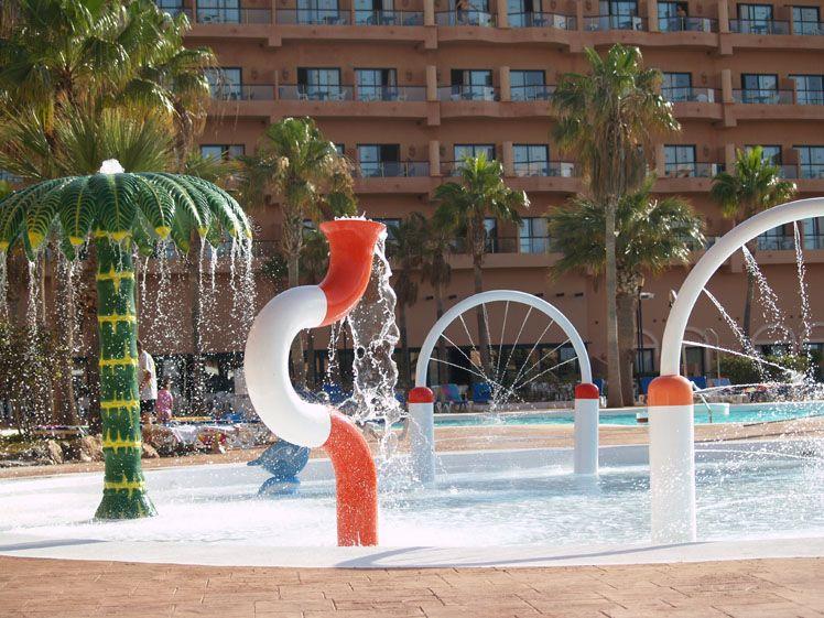 Piscina infantil hotel ath las salinas park roquetas de for Piscinas almeria