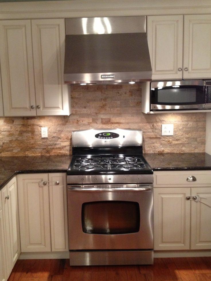Download Wallpaper White Kitchen With Rock Backsplash