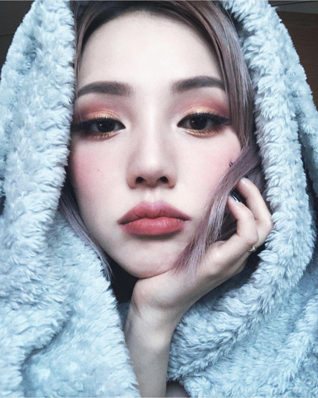 Pin by 一期一会 on Hair/ Makeup Pony makeup, Asian makeup