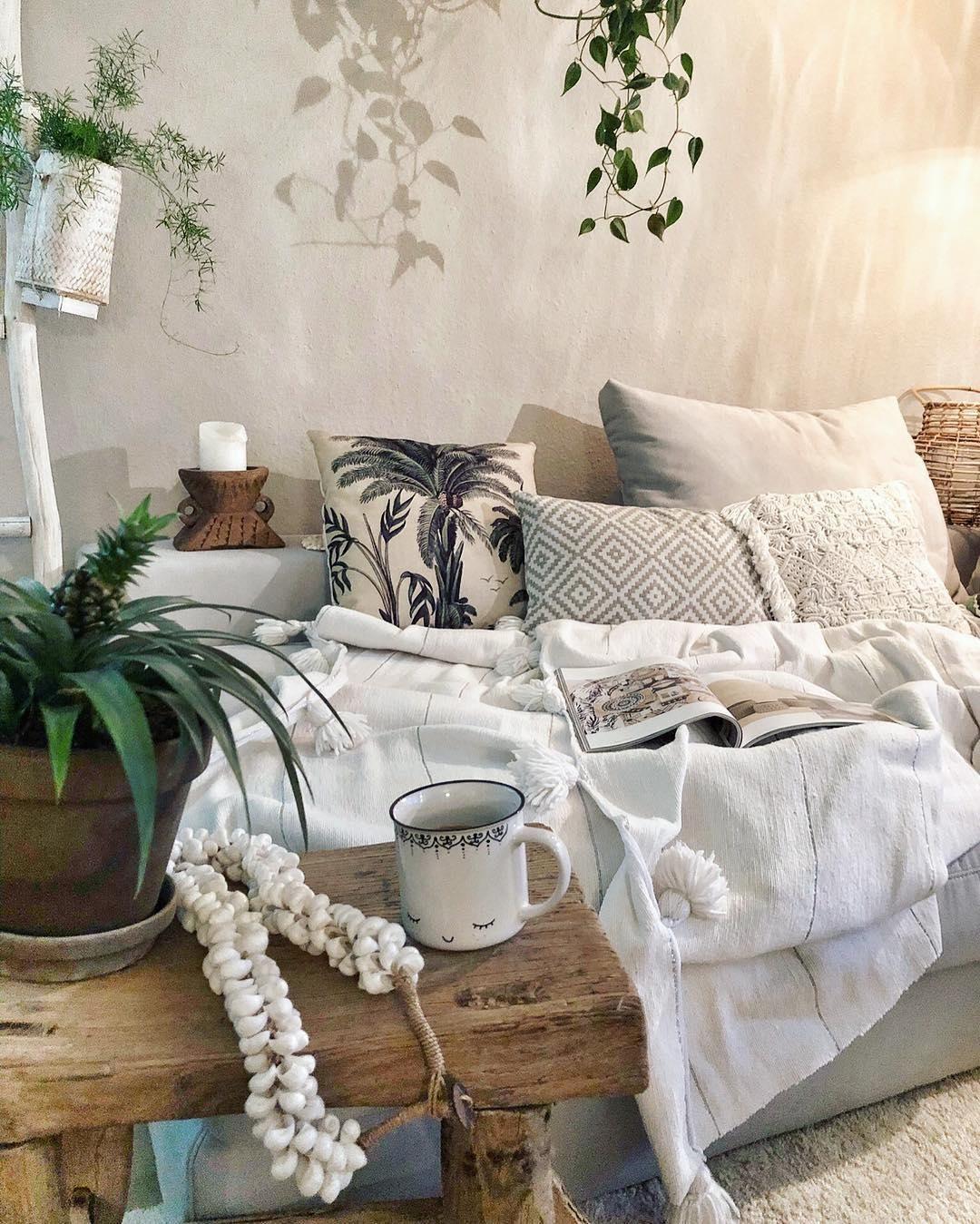 hocker lawas 39 boho interior 39 bohemian living wohnung. Black Bedroom Furniture Sets. Home Design Ideas