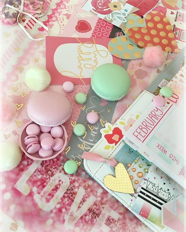 Macaron paper clips