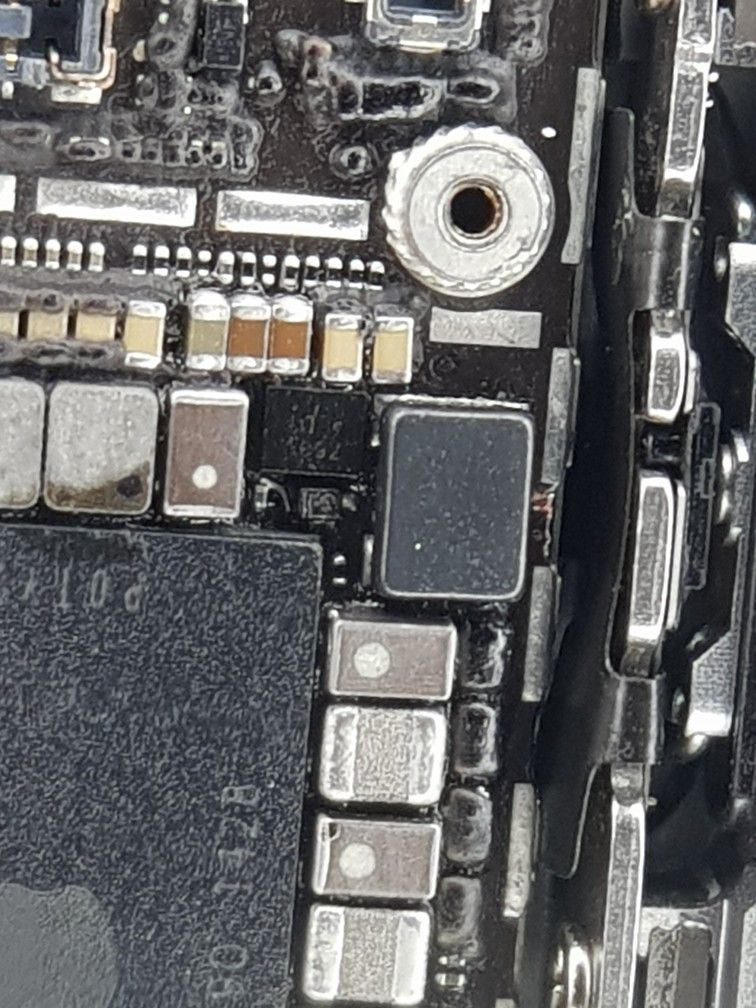 Iphone 6 backlight problem solved by Replacing Backlight IC