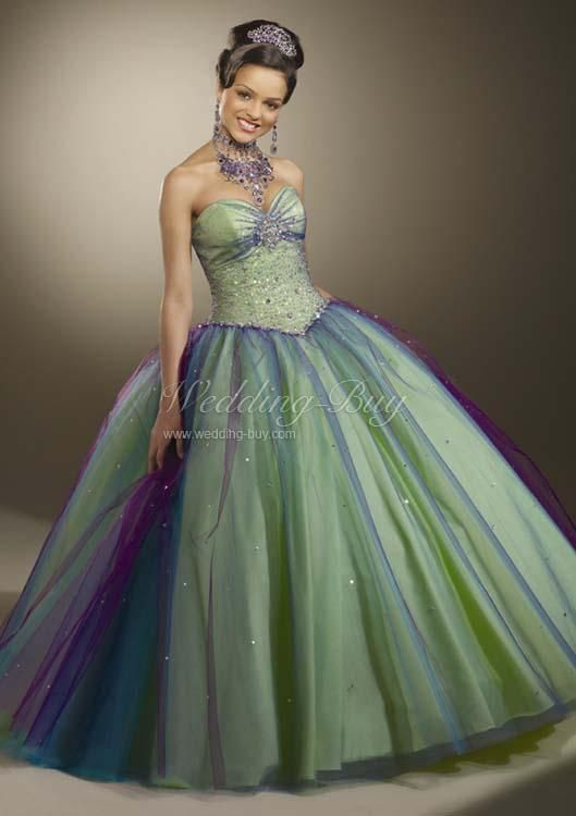 not really into poofy dresses but this is kinda nice | Formal Gowns ...