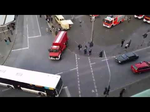 Mönchengladbach: Explosionsgefahr durch brennende Acetylen-Flasche im Ha...