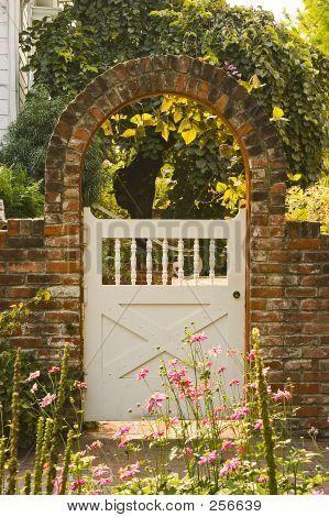17 Best 1000 images about Garden arch on Pinterest Gardens Wooden