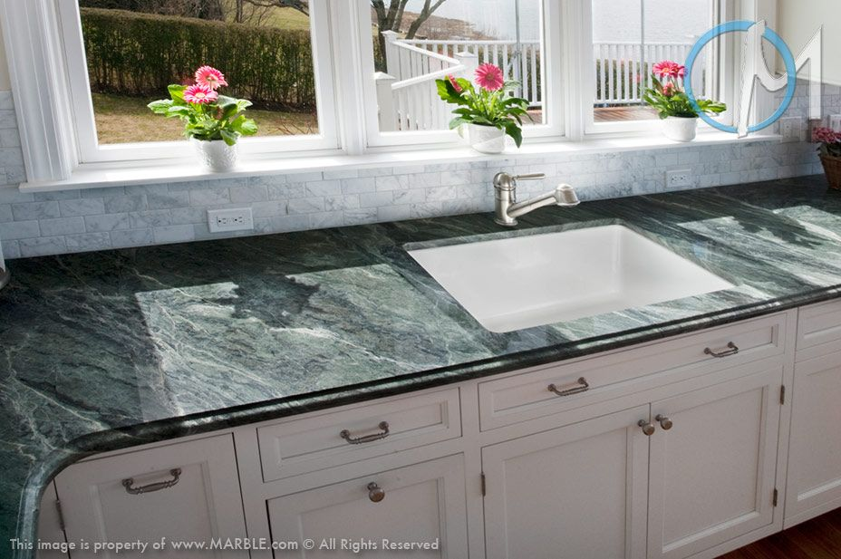 This Kitchen Features The Dramatic Green Ocean The Deep Green With Lighter Green Veining Green Kitchen