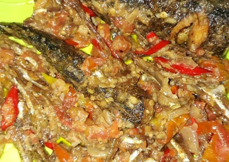 Resep Sambal Ikan Teri Kering Campur Ikan Gabus Maknyus Oleh Lisa Saputri Resep Resep Masakan Resep Makanan Resep
