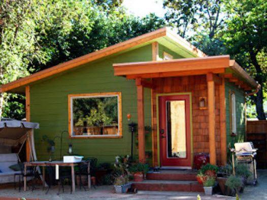 อยากสร างบ านแต งบน อยมาด แบบบ าน ราคาไม เก น 1 แสน แต พอเข าไปข างใน หร หราเก นบรรยาย Kaijeaw Com Modern Style House Plans Backyard Cottage Small House