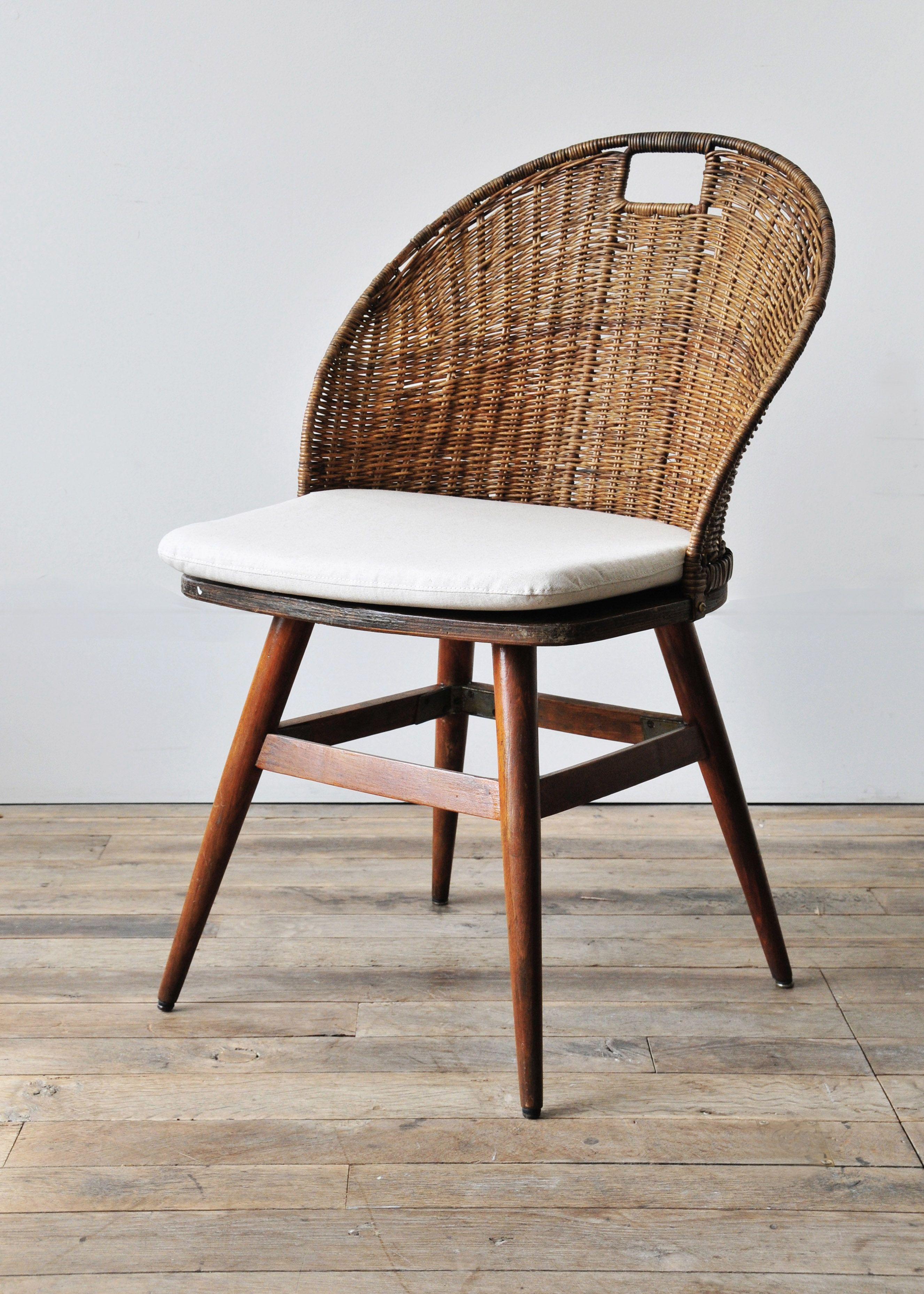 Set Of Twelve Wicker Back Dining Chairs Kursi Meja