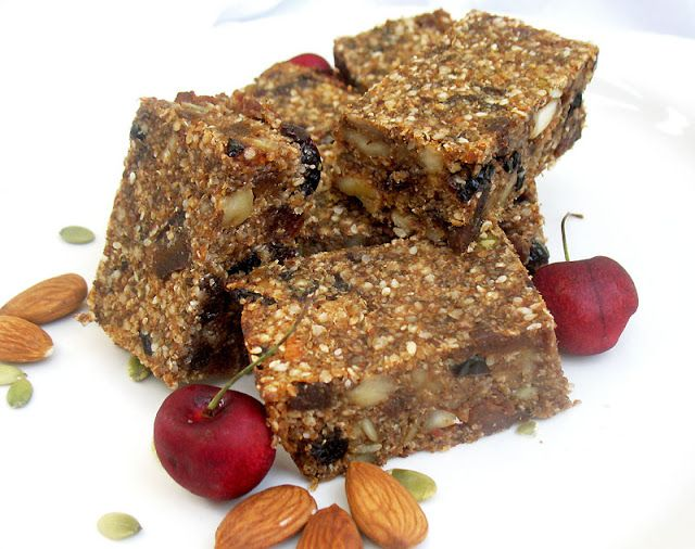 Quinoa Nut and Fruit Protein Bars Recipe by Lisa Turner Adapted from Power Hungry: The Ultimate Energy Bar Cookbook