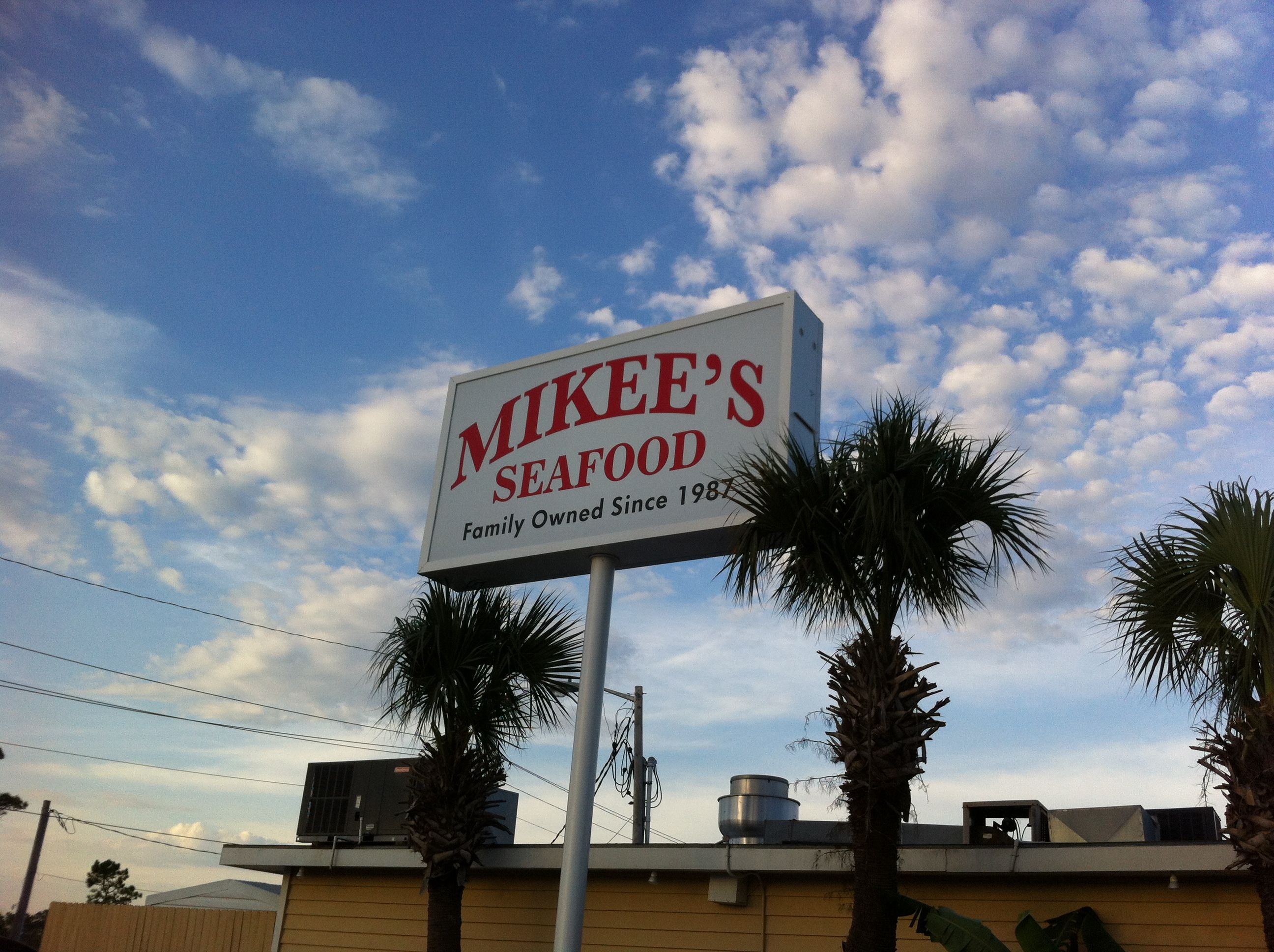 Mikee's Seafood Restaurant- awesome family friendly place we have visited on vacation in #gulfshores #alabama the service was awesome & food amazing! Definitely recommend dining here if you're ever in the area!