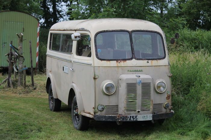 Catawiki online auction house: Peugeot - D4 - 1964