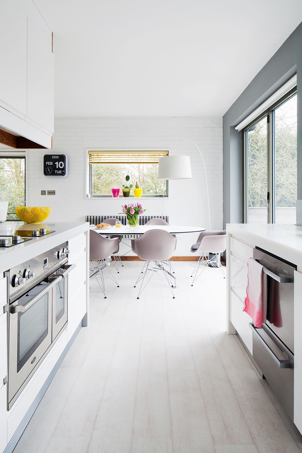 Modern Kitchen In 1960s House Remodel