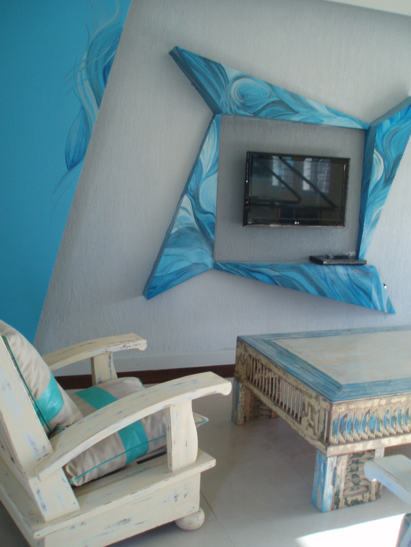 Sill N Mesa Y Marco Del Televisor Patinados Y Pintados En Azules  # Muebles Luz Tecamac