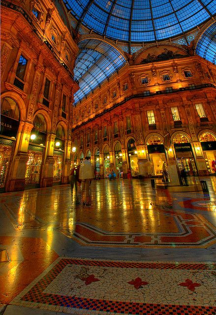 Milan At Night Best Of Italy Around The Worlds Places To Go