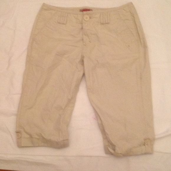No Boundries junior Bermuda shorts Lightweight, tan, cargo style shorts in a decent length for teens/ preteens!  Juniors size 5.  Worn, but good condition!  Bundling is an option! Shorts Bermudas