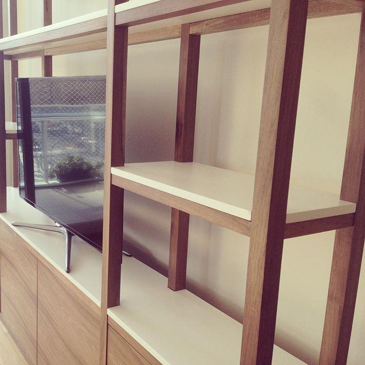 #Estanteria Combinada #madera #petiribi Y Laca Blanca #furniture #design  #interiordesign