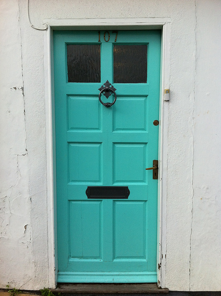 i want a turquoise door!
