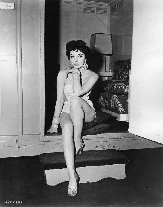 Joan Collins Fakes Pornhugocom