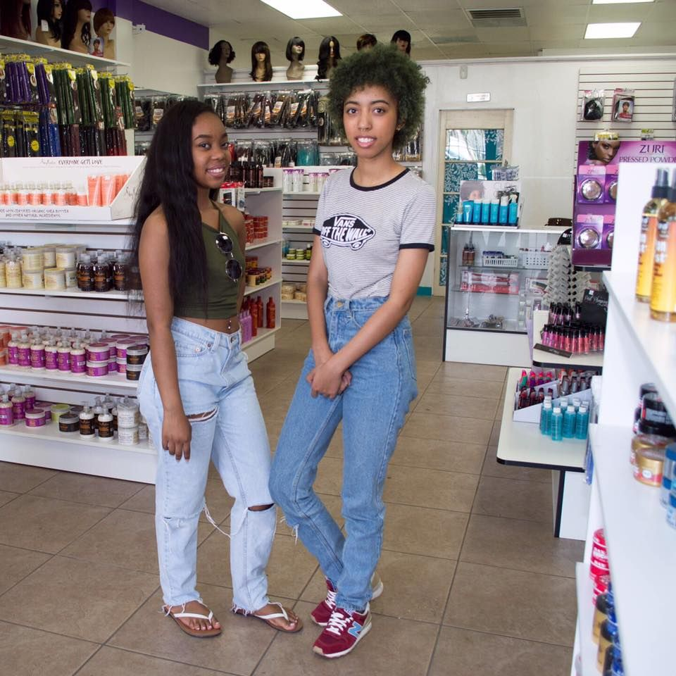 Moreno Valley Ca Sisters Keonna 21 Kayla 19 Youngest African American Women To Open A Beauty Supply Store Beauty Supply Beauty Supply Store Black Beauties
