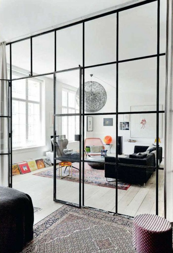 la cloison en verre est un moyen l gant d 39 organiser l 39 int rieur cloison vitre. Black Bedroom Furniture Sets. Home Design Ideas