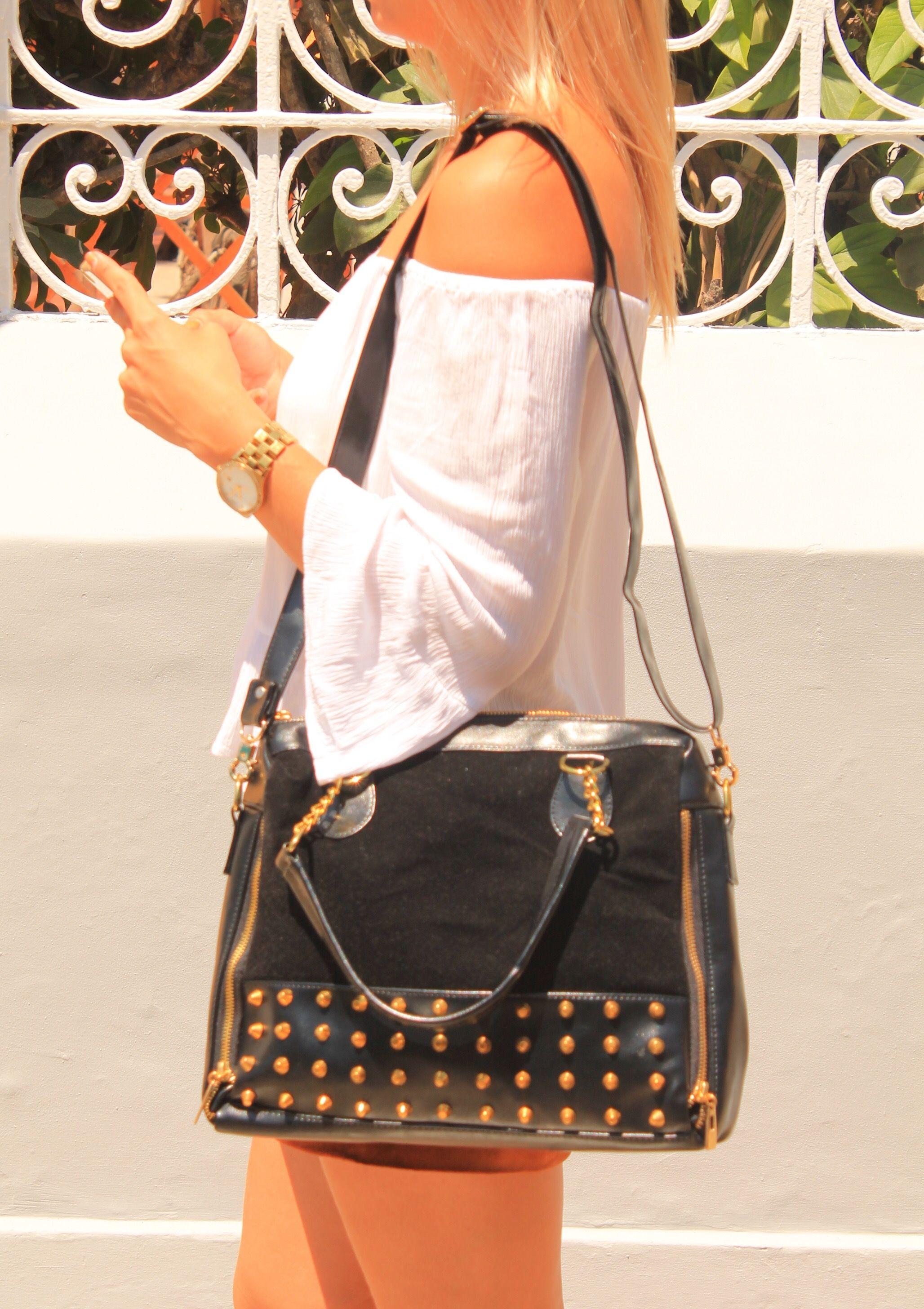 Carteras de moda y cuero para mujeres en PLUMSHOPONLINE.COM Leather and fashion womens handbags #bags #bag #moda #clutch #outfit - Cartera Negra Andressa