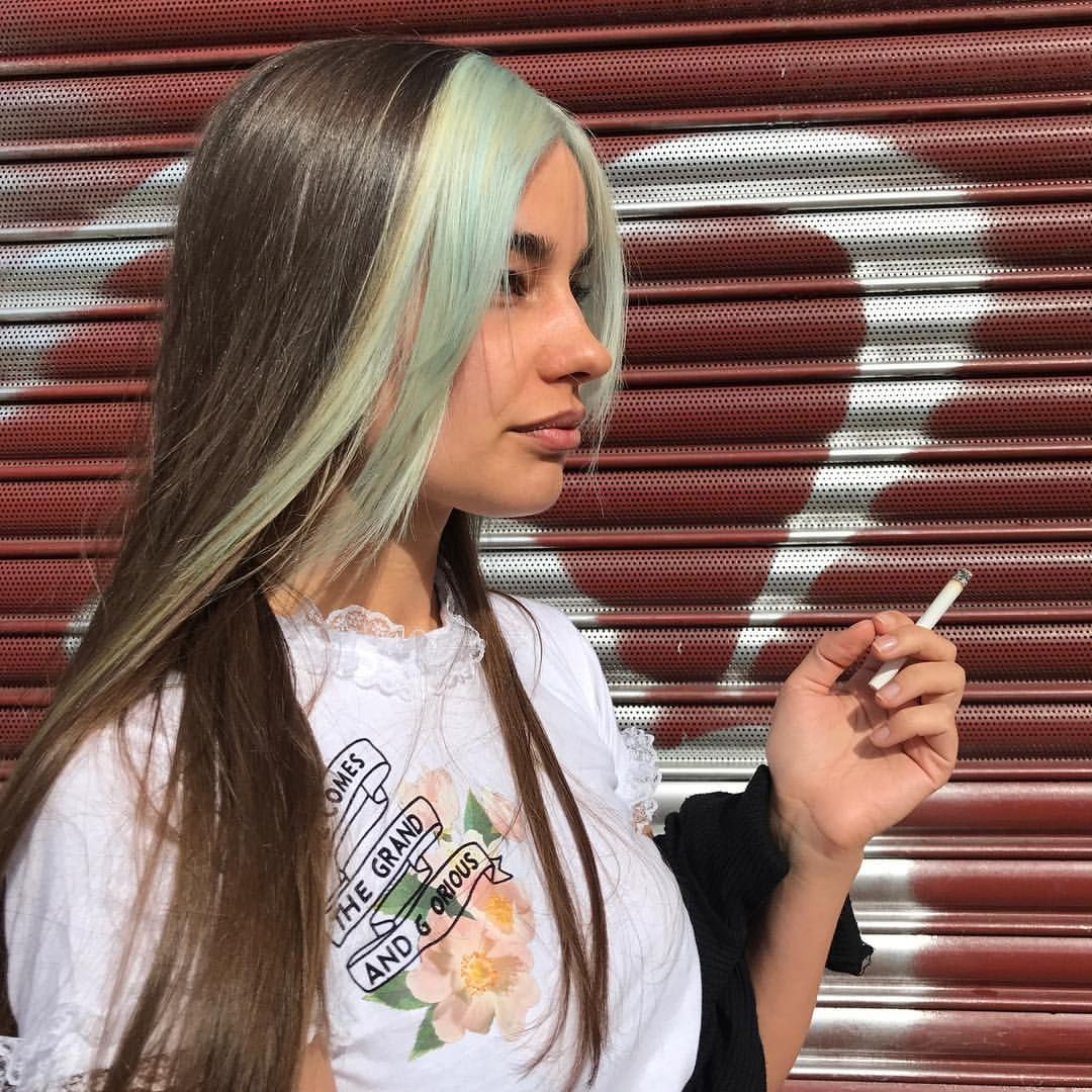 Mimi Wade The Mega Babe Same Same But Hun Bleach Bit Donezo By Me At Bleachlondon Coloure Hair Inspo Color Two Color Hair Hair Color Streaks